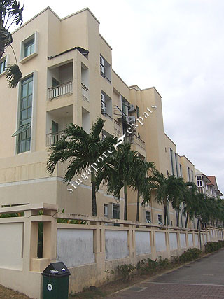 GOLD PALM MANSIONS