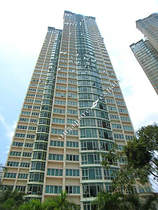 Ang moh expat at one of the condo in sg - 1 part 7