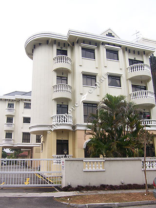 SILAHIS APARTMENTS