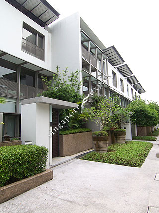 Singapore cluster housing pictures buy rent the for The terrace land and house