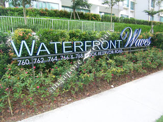 WATERFRONT WAVES
